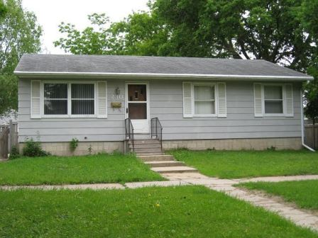 230 Baltimore <br />Waterloo, IA