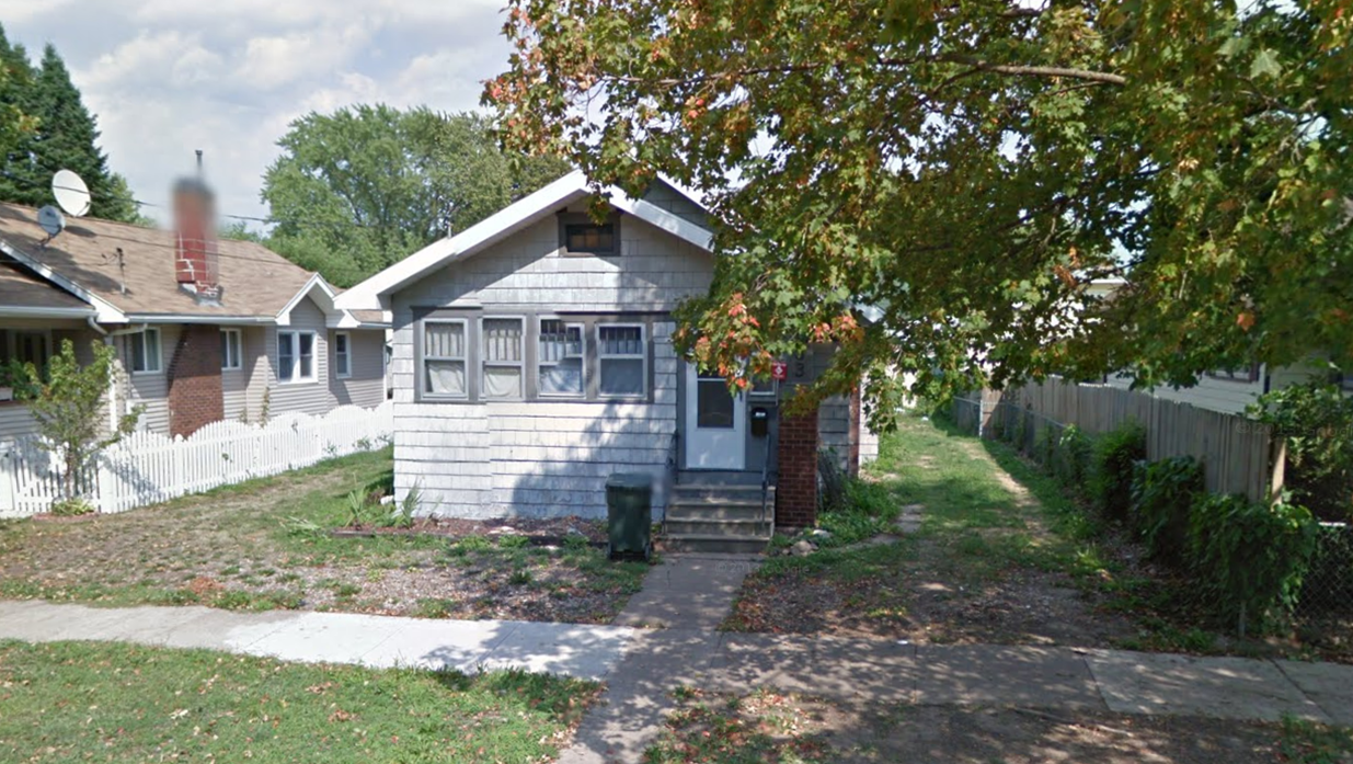 733 Denver Ave. <br />Waterloo, IA 50702